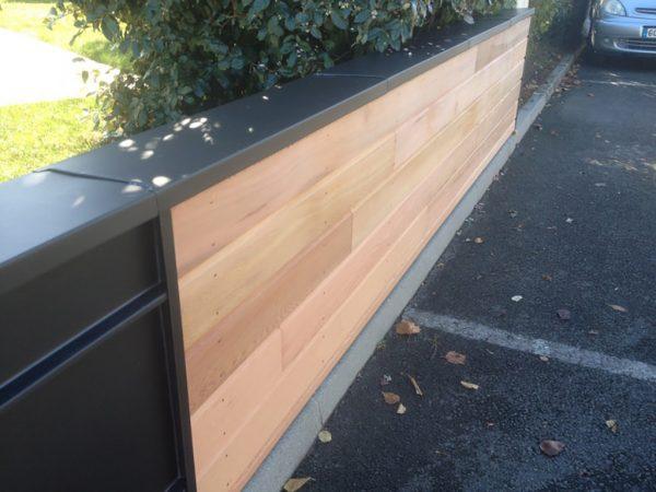 Muret en bois et zinc